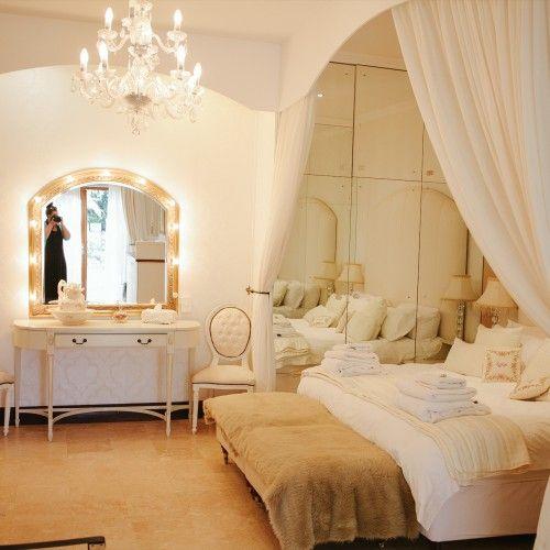 Honeymoon suite at Bakenhof. Winelands wedding.