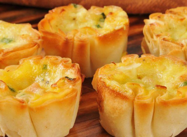 Mini quiche în crustă de pâine | Retete culinare - Romanesti si din Bucataria internationala