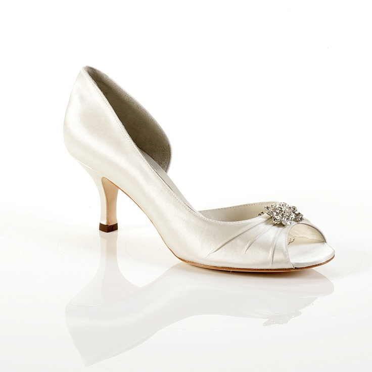 short heel wedding shoes 1930 s style wedding shoes w a small heel 7349