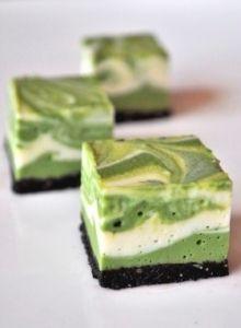 色合いが素敵♡♡黒ごまとオレオの抹茶レアチーズケーキ♡