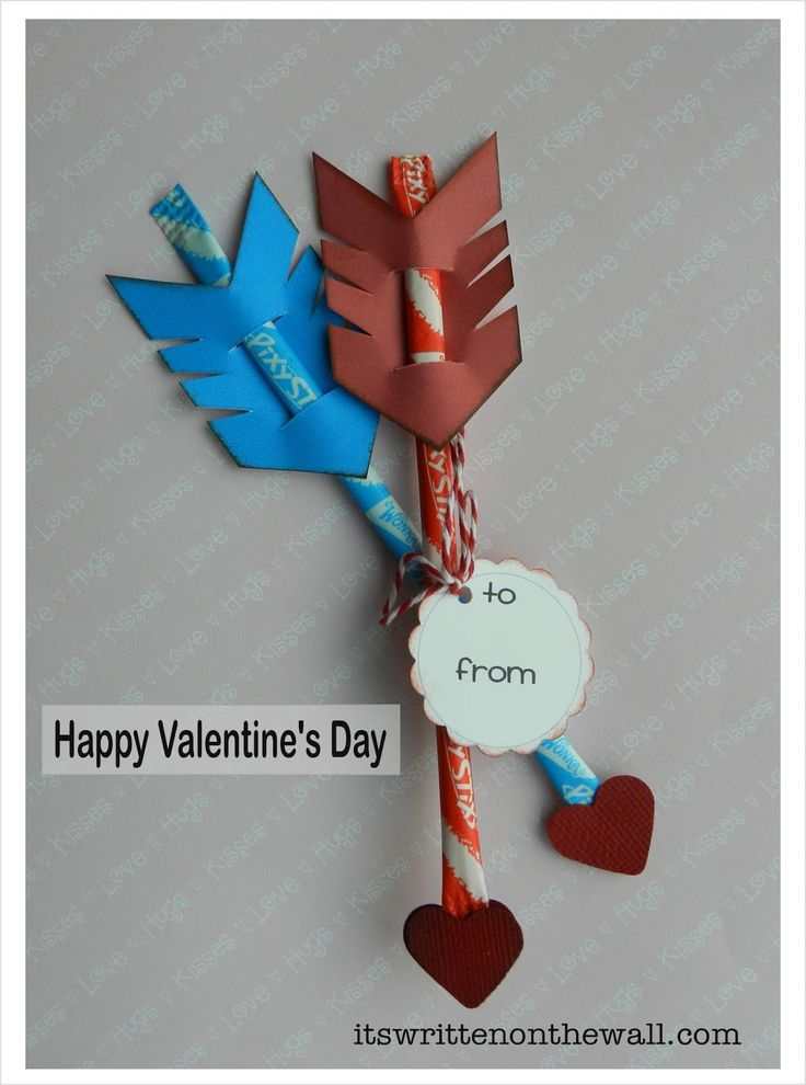 It's Written on the Wall:  Valentine's Day Treat-Cupid's Arrow / Pixie Sticks-Easy to Make!  #ValentinesDayTreat