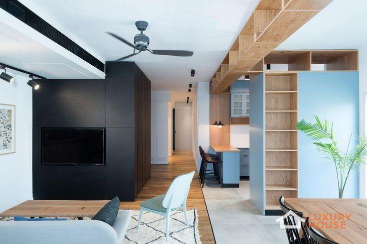 Современные апартаменты в Тель-Авиве  В 2016 году компания RUST Architects представила проект оформления квартиры в Тель-Авиве, Израиль. В квартире площадью 165 квадратных метров огромная зона отдыха, объединяющая кухню, террасу, столовую и зону для чтения, расположена вдоль уличной стороны апартаментов. К ней примыкают детские спальни. Декор длинного коридора, соединяющего лаунж-зоны – открытая кирпичная кладка и открытый бетон. Огромная деревянная дверь на скрытых петлях со встроенной…