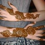 How to make mehndi dark in shade and long lasting - http://xmetic.com/blog/how-to-make-mehndi-dark-in-shade-and-long-lasting/