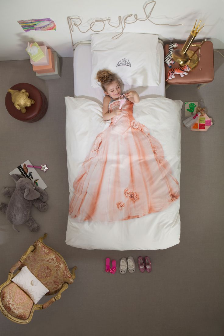 Finally a duvet cover that shows the world what you truly are: a beautiful princess. Dream of your prince on a white horse. But first make sure you are lying perfect underneath your diamond tiara. What a sleeping beauty? Only $89 at www.hooplaroom.com