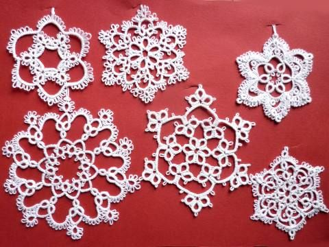 White #snowflakes for #Christmastree :)  #tatting #frywolitka #gwiazdki #christmas https://www.facebook.com/NiezwyklaProjektownia