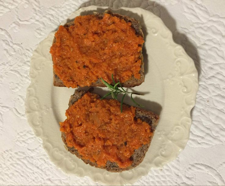 Rezept Karrotten-Tomaten-Brotaufstrich Vegan von funzmaus - Rezept der Kategorie Saucen/Dips/Brotaufstriche