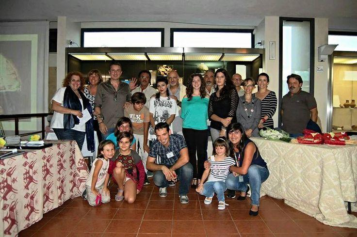 Foto di gruppo: giuria,  vincitori, menzioni speciali, organizzatori (Daniela Cermelli e gli assistenti museali, Giovanni, Loreta, Giannella)