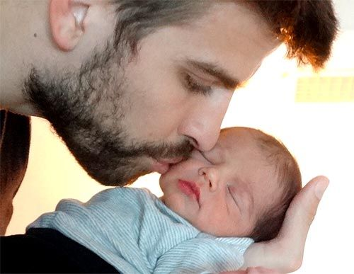 Shakira, who gave birth to son Milan Pique Mebarak on January 22, shared the picture of her newborn son and beau Gerard Pique on microblogging site Twitter.