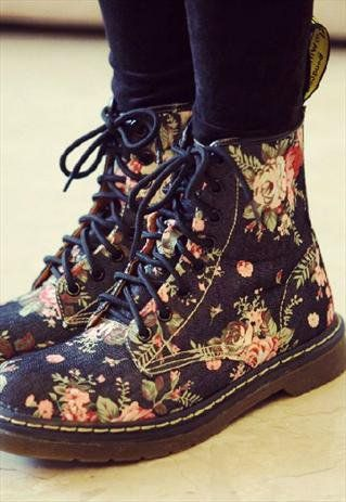 I WANT A PAIR OF THESE SO BAD PLEASE