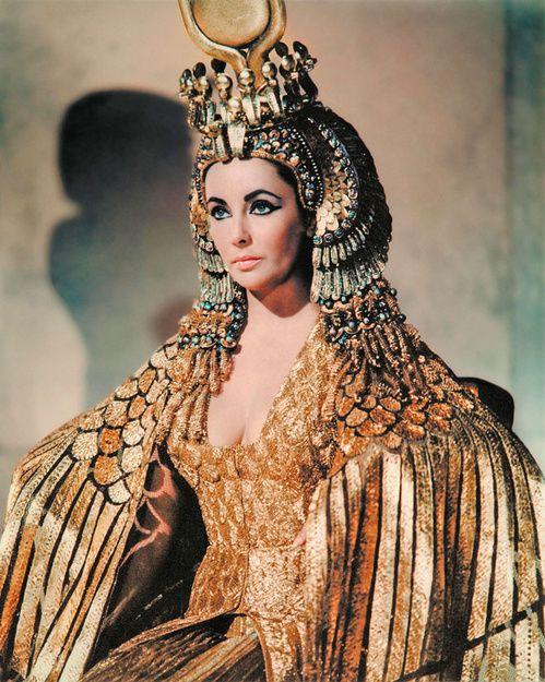 Elizabeth Taylor dans le film Cléopâtre
