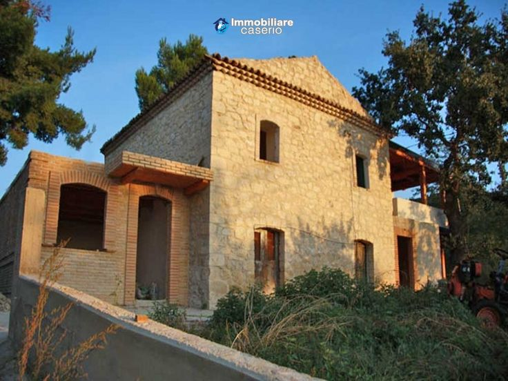 #Dogliola #abruzzo #chieti #house #immobiliarecaserio #stonehouse #garden #b&b http://immobiliarecaserio.com/Stone-country-house-under-renovation-ideal-for-BB-with-4-acres-of-land-for-sale_473.html