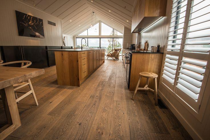 Panorama Tce Apartment Tobacco Grey Plaza #contemporarylivingroom #darkwood #engineeredwoodflooring #flooring #handscrapedflooring #hardwoodflooring #KitchenFloors #livingroomdarkwood #livingroomflooring #modernlivingroom #modernlivingroomfloor #modernsolidwood #oak #oaktrees #parquetflooring #rusticwood #warmmodernlivingroom #wideplankflooring #woodflooring Photo Credits: Niels Koervers
