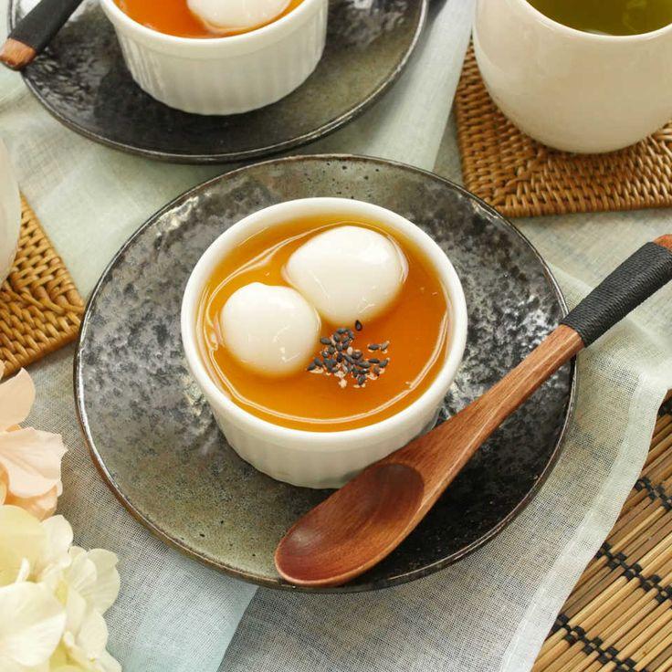 「みたらし豆乳プリン」のレシピと作り方を動画でご紹介!みたらしあんのほどよい塩味が豆乳プリンにマッチして、後を引くおいしさです。豆乳のコクと卵のまろやかな味が口いっぱいに広がりますよ♩