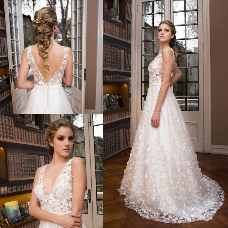 vestido de novia clásico transparente · Classical Transparent Wedding Dress - www.santoencanto.cl/vestidos-de-novia/