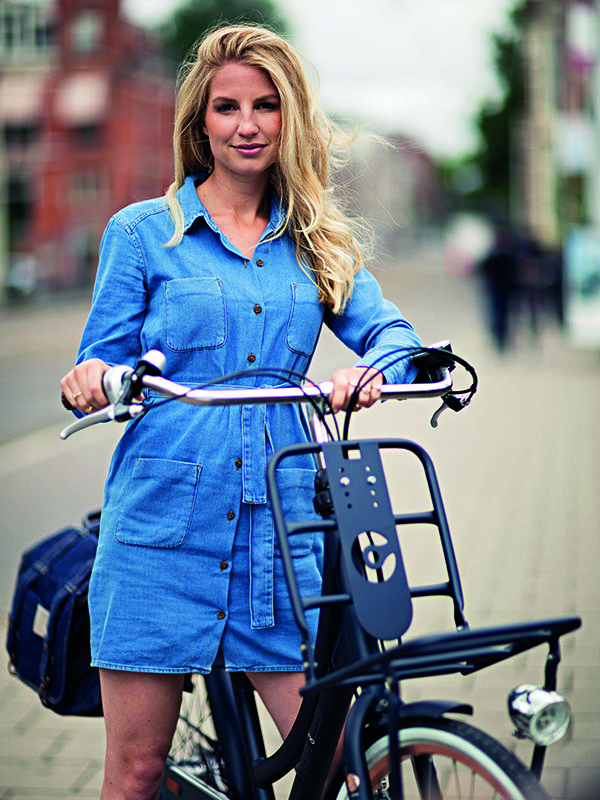 Cortina U4 dames transportfiets. Jeans blauw