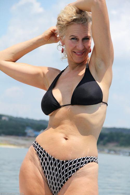 Mature Swimsuit  Gilfs  Pinterest  Swimsuits-8843