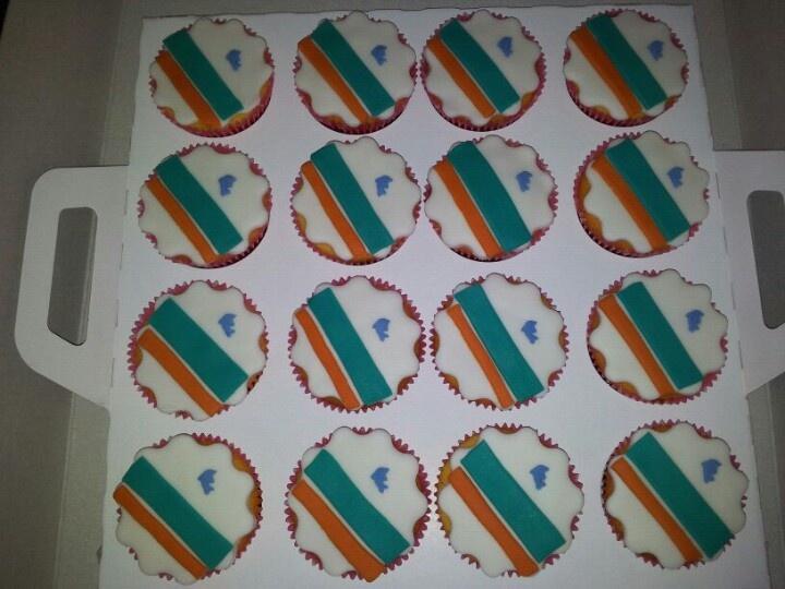 Miami dolphins cupcakes voor bij de taart