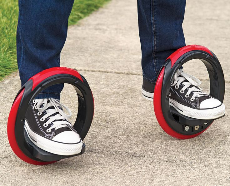 As we ditch cars to get around, new technology can making going car-free even cooler! The Sidewinding Circular Skates are a modern hybrid of skates and skateboard.