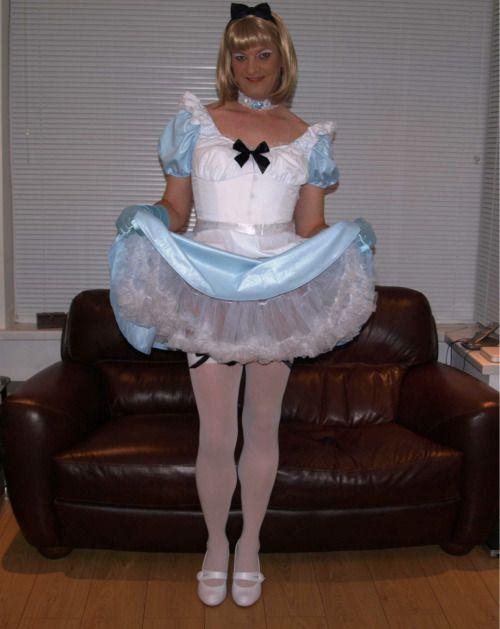 Sissy maid ó mucamas feminizadas como auténtica