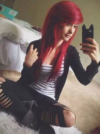 i want to see if i could find this outfit and see if its just the red hair that makes it look good