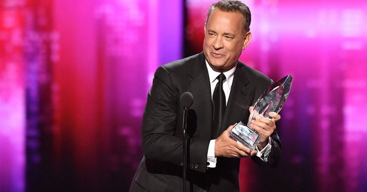 #World #News  America's dad Tom Hanks gifts the White House press corps a new coffee…  #StopRussianAggression #lbloggers @thebloggerspost