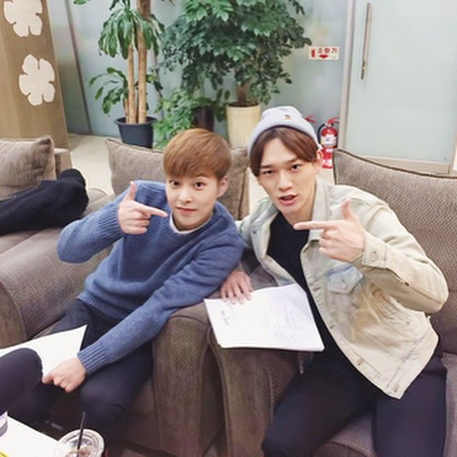 """150129 [INSTAGRAM] Update """"집에들어올생각하지마 나도싫어"""" /English translation: """"Don't bother coming home, I hate you guys too"""" (T/N: Xiumin and Chen both chose Sehun as one of the members they would not date if they were girls @ Sukira today)"""