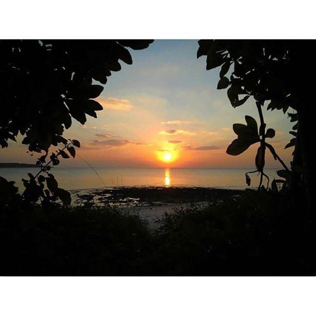 【kyo_s_shot】さんのInstagramをピンしています。 《#日本#沖縄#宮古島#前浜ビーチ#宮古フォト祭り#写真好きな人と繋がりたい#自然#風景#海#空#夕日#夕陽#japan#okinawa#miyakojima#islandlife#islandliving#igersjp#ig_japan#ig_shotz#natureshots#naturegram#natureporn#earthpix#awesomeshots#sunrise_and_sunsets#sunrise_sunsets_aroundworld#beachwalk#sunsetlovers#twilight》