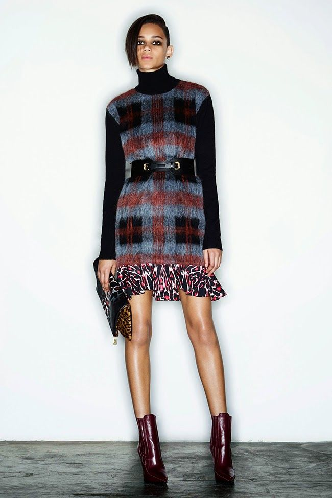 Embellish Plaid and Tartan Sweaters With a Wide Black Leather Belt
