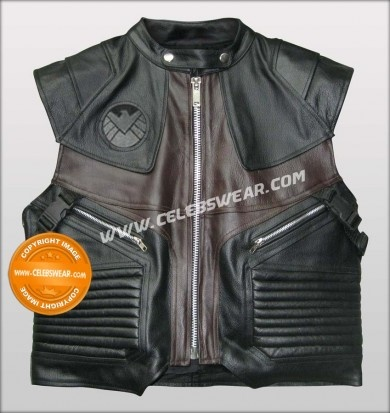 $189.00 Hawkeye Avengers Leather Costume Vest worn by Jeremy Renner in the movie Avengers 2012. Made with finest cowhide leather, Buy and Enjoy Special  Discounted Price at Celebswear.com    #hawkeye #avengershawkeye
