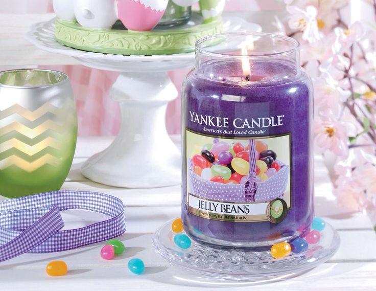 Glöm inte bort lockande Jelly Beans. Barnsligt goda och färgsprakande med doft av sockriga, söta frukter. #YankeeCandle #JellyBeans