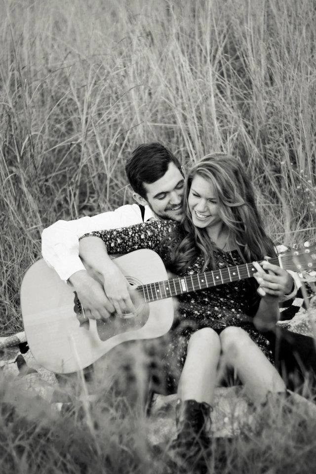 So cute. This is why my boyfriend should be able to play guitar with me.