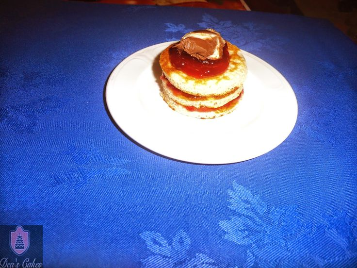 Dea's Cakes: Clatite pufoase cu dulceata de zmeura- Pancakes wi...
