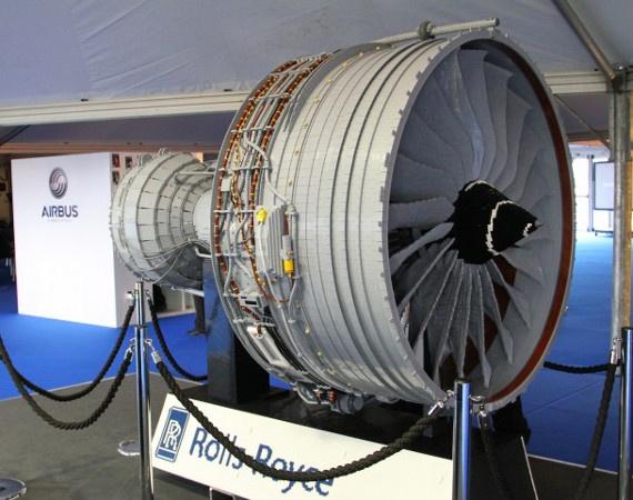 Rolls Royce Trent 1000 Turbofan Jet Engine   Made of 152,455 LEGO Bricks