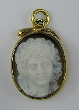 Georgian cameo locket with engraved obverse