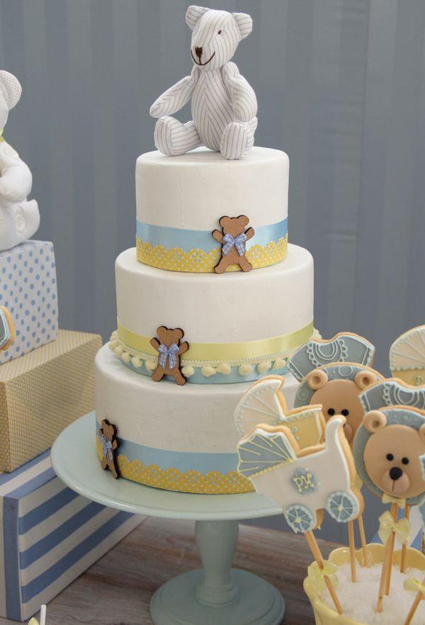 Chá de bebê com tema de ursinho - Decoração em azul e amarelo ( Decoração: Fabiana Moura | Doces: Sweet Carolina )