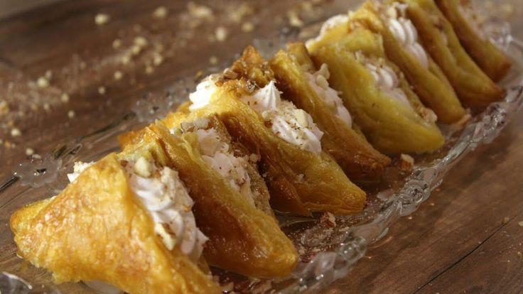Νηστίσιμα Σιροπιαστά Μαντηλάκια με αφράτη κρέμα βανίλιας - Mantilakia - YouTube