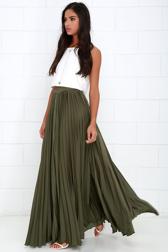 From morning market to busy bistros, there's hundreds of reasons to go out for the day in the Back in a Minute Olive Green Maxi Skirt! This woven poly skirt has a luxurious satiny finish, with a banded high-waist and accordion pleated design that travels down to a full maxi skirt. Hidden side zipper and clasp closure.