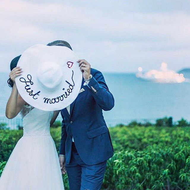 ����❤️�� #cappello #justmarried #beautiful #idea #photo #photooftheday #pic #picture #photography #bride #groom #wedding #weddingday #life #love #like #weddingplanner #eventplanner #eventcreator #passion #work #summer #couple #italianwedding #italy http://gelinshop.com/ipost/1515139511658979805/?code=BUG21u5l6Hd