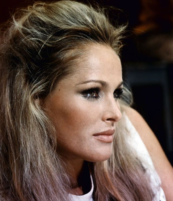 bond beauty ursula andress
