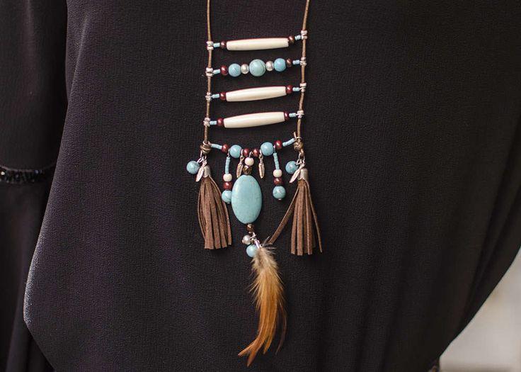 Collar exclusivo tipo tribal, collar con plumas y turquesa, collar con borlas, collar étnico, collar indio, collar boho, collar para mujer de Pidetelove en Etsy