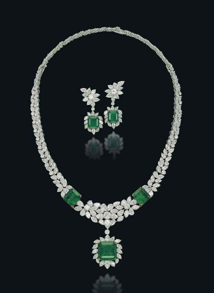 A SET OF EMERALD AND DIAMOND JEWELLERY