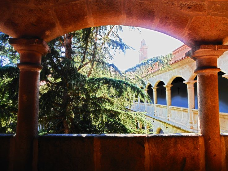 Arco de claustro superior.