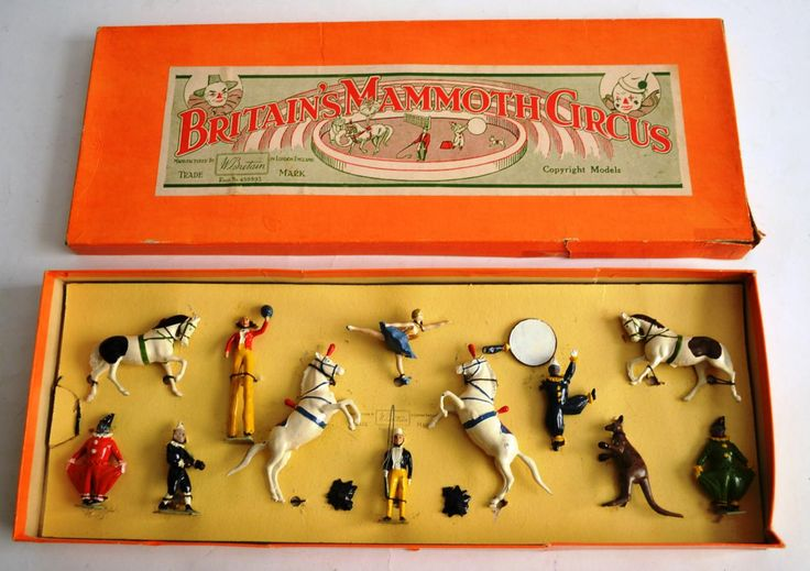 Tennants Auctioneers: A Boxed Britains Lead Mammoth Circus Set No.2054