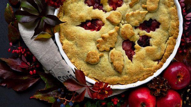 Jablečný koláč s ostružinami a zázvorem Foto: