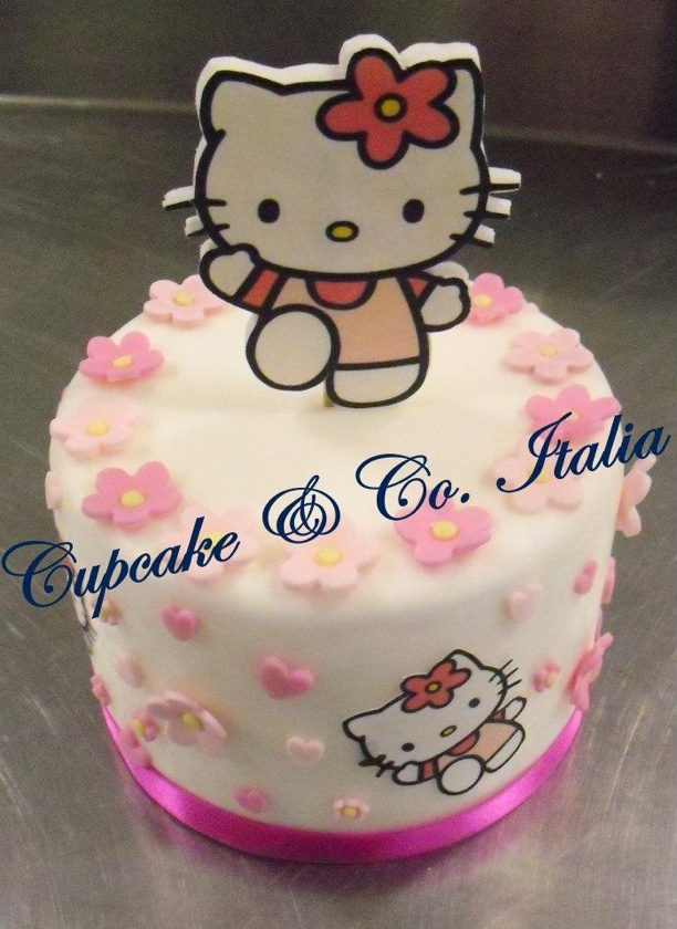 Hallo Kitty cake !  |Pinned from PinTo for iPad|