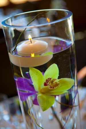 floating flowers & candles by beatriz