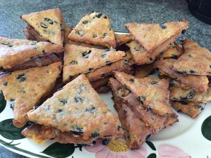Oliven-Sardellen-Kekse, ein tolles Rezept aus der Kategorie Kekse & Plätzchen. Bewertungen: 19. Durchschnitt: Ø 4,3.