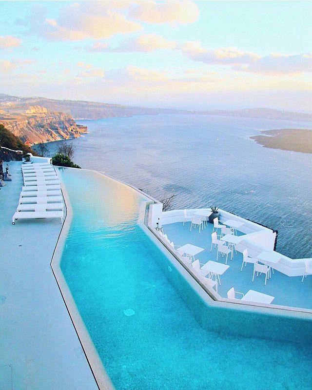 Grace Hotel Santorini by @pilotmadeleine #hotelsandresorts #santorini #santoriniisland