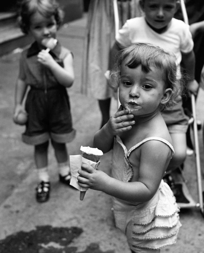 +~+~ Vintage Photograph ~+~+  Icecream by Vivian Maier