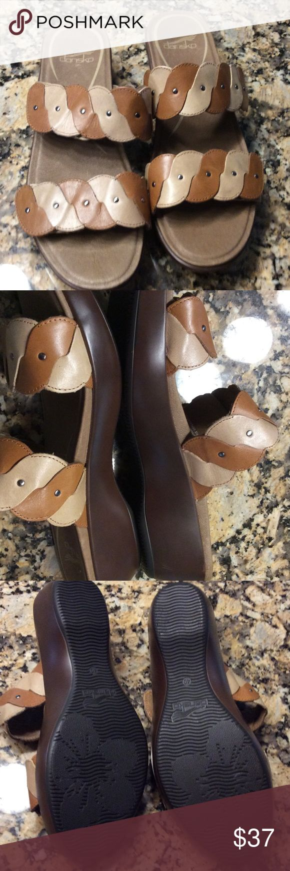 Dansko platform sandals.  NWOT ❤️WEEKEND SALE❤️ Very nice brown two-tone sandals.  Both straps are Velcro adjustable. 072705 Dansko Shoes Platforms